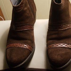 Brown suede booties, made in Spain